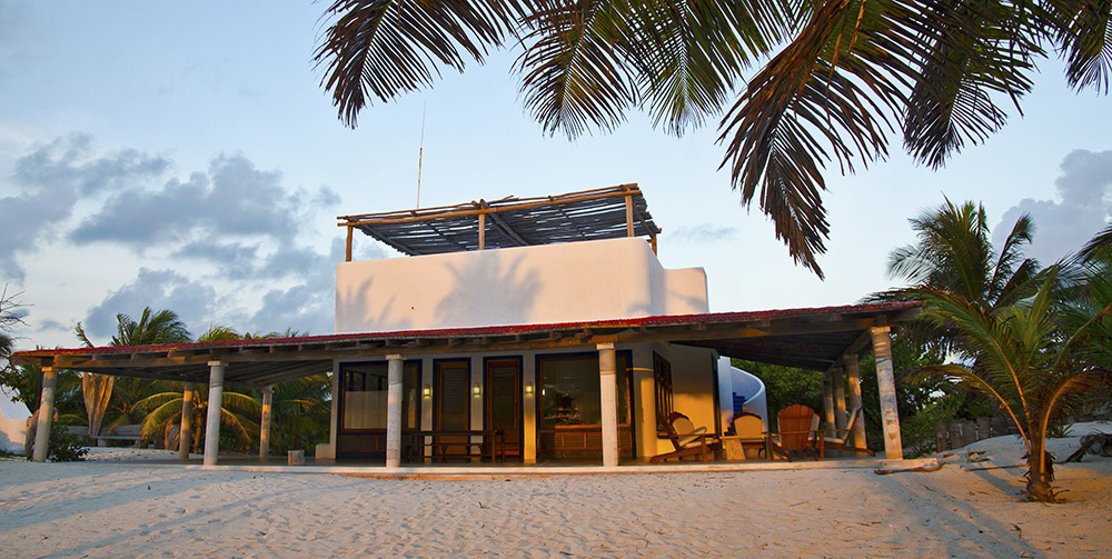 Playa Blanca Lodge